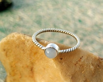 Natural Blue Chalcedony Sterling Silver Twisted Band Handmade Ring - 925 Sterling Silver