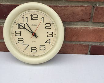 Vintage Sunbeam Wall Clock, Battery Powered Quartz. Beige