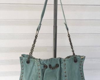 Lg. Chain Link shoulder bag.