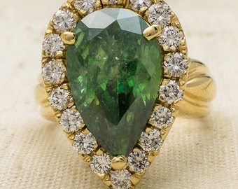 NEW Glamorous Beautiful 14K Yellow Gold 8.34ctw Green Pear Cut Diamond & Halo Statement Ring Size 8 - 17.1 grams FREE SHIPPING!
