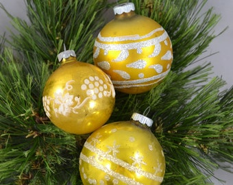 Vintage Gold Glass Globe Christmas Ornaments With Stenciling Shiny Brite Ornament