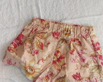 Pink pattern shorts - size 4