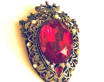 Vintage - Romantic Antique Gold Brooch - Gothic - Red with Tiny Pearls - Elegant - Royal