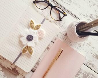 Flower Bookmark  - Booklover Gift - Reader Gift - Unique Bookmark - Bookband - Planner Band  Bookmark - Bookworm Gift