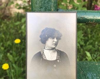 Vintage Photo - American Photo Studio Prague: Cabinet Card of a Woman