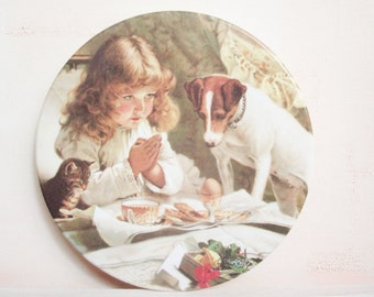 Vintage Plate. Vintage Childs Plate. 1950s Plate. Vintage Melamine. Vintage Meamine Plate. Decorative Plate. Dog Plate. Kitten Plate. Child.