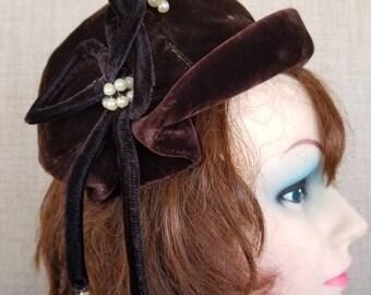 Vintage Women's Brown Velvet Hat