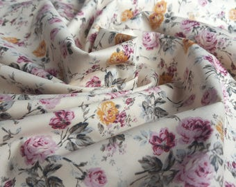Printed Cotton Fabric - Vintage Style Roses in Pink and Cream