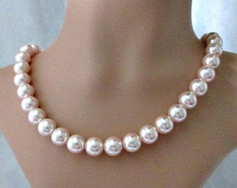 Pearl Necklace - Blush Pink Single Strand Vintage Necklace - Vintage Costume Jewelry - Bride Wedding Necklace Jewelry