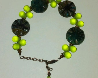 "Czech Bead Bracelet 7 1/2"" Total With 1 1/2 "" Extender"