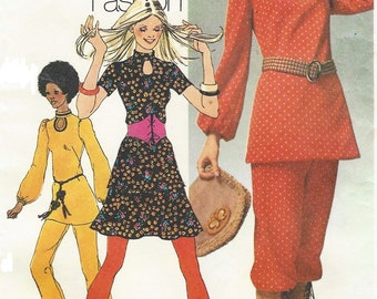 1970s Womens Pants or Knickers, Keyhole Tunic & Mini Skirt Simplicity Sewing Pattern 9555 Size 16 Bust 38 Boho Vintage Patterns