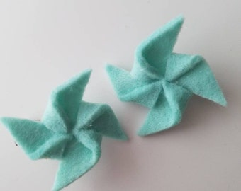 Teal pinwheel barrettes. Set of two. Alligator clip. Girls hair accessories. Baby hair clips. Small hair clips.