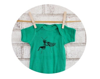 Hand Printed Praying Mantis Baby Onepiece in Kelly Green, Short Sleeved cotton Shirt, Garden Insect, Spring and Summer Clothing, Baby Shower
