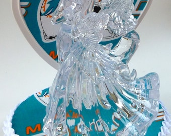 Wedding Cake Topper Miami Dolphins Football Themed Clear Bride Groom Dance Sports Fans Heart Pretty Reception Bridal Shower Gift Centerpiece