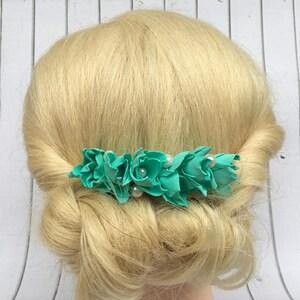 Wedding floral headpiece Flower hair piece Girl hair comb Bridesmaid comb Flowers Hair flowers Hair comb Mint wedding Bridesmaid flowers