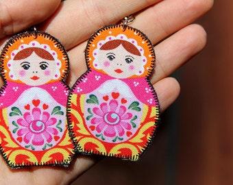 Orange and pink nesting doll earrings - Russian nesting doll jewelry - retro earrings - matryoshka earrings