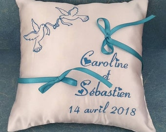 Pillow with embroidered doves (choice of color)