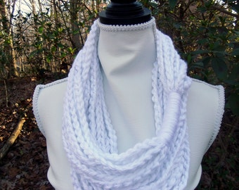 Large White Chunky Infinity Jewelry Chain Scarf