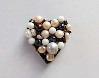 Brooch Heart of Pearls