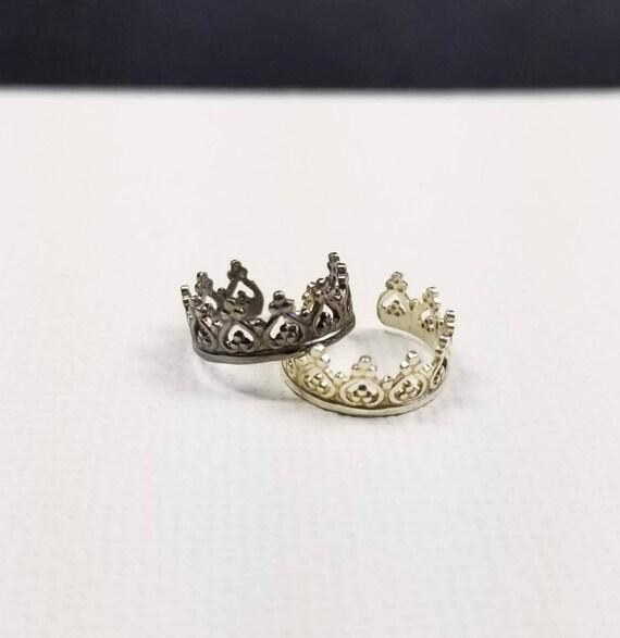Princess Crown Sterling Silver Ear cuff, faux piercing, made in canada, silver ear cuff, sterling body jewelry
