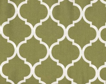 Quatrefoil Fabric White on Moss Green 100% Cotton