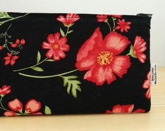 Flowers pouch, roses pouch, makeup bag, black pouch, zippered pouch, zippered bag, red flowers bag,quilted bag,beauty bag,flowers makeup bag