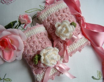 Mezziguanti-scaldapolso for girls handmade crochet in pure wool with two decorative roses