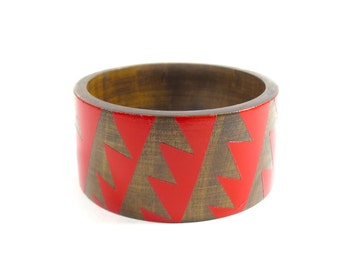 Pennant Bangle/ Wide Wood Bracelet/ Painted/ Red or White/XS-XL