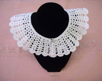 Vintage Crocheted Detachable Collar