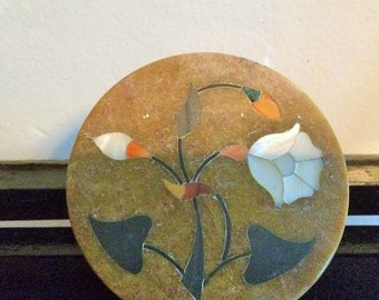Round marble trinket box with mother of pearl inlaid flower design