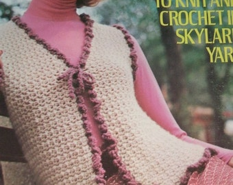 Columbia-Minerva TOPS to Knit and Crochet Leaflet 2551 - 5 different Patterns - Leaflet in Excellent Condition 1972