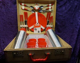 VINTAGE MOTOR LUNCHEON Set c 1951