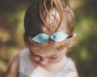 Large Knot Bow / 18 Colors Large Knot Bows, Leather Bow Headband, Leather Bow, Baby Bows, Baby Headbands, Baby Girl , Baby Hair Clip