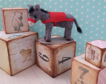 Miniature artist donkey - OOAK, needle felted donkey, miniature donkey, felt donkey, felted animal, felt donkey, art toy, donkey d