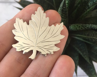Sterling silver maple leaf brooch vintage leaf pin canada pin shawl pin mother in law gift nature jewellery brooch pin teacher gift toronto