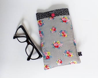 Glasses case, quilted - pattern black and white stripes and fabric flowers / black polka dots - gift idea