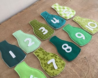 10 GREEN BOTTLES magnetic counting game.