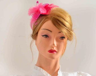 Fuchsia feather fascinator Wedding headpiece Bridesmaid feather fascinator Pink feather hair piece Wedding hair accessories