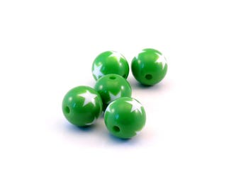Set of 5 green star beads