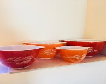 Set of 4 Pyrex Autumn Harvest nesting mixing bowls