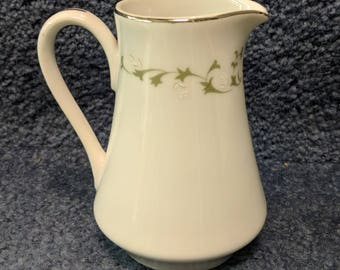 Small Pitcher, Vintage, Creamer, Ceramic, Sheffield, Fine China, Made in Japan, Elegance, 502T, White Flowers, Silver Trim