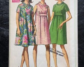 Vintage 1960s Maternity Dress Pattern // Simplicity 7558 > Size 10 > mini-dress, trapeze