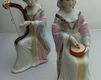 Two Japanese Geisha 芸者 girls