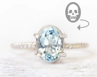 Memento mori ring - all sizes - sky blu topaz, silver 925 - historical jewelry - birthstone november