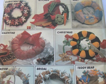 K Vinage McCall's Crafts 8648 Holiday wreaths paper pattern uncut