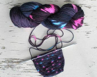Dark speckled sock yarn, Hand flecked dyed yarn, DK 8 ply yarn, Bright pink and blue spots