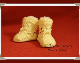 Pair of slippers yellow chick with hole (0-3 months)
