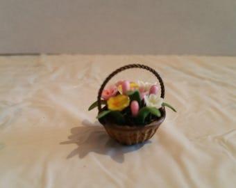 Falcon Miniatures, 1:12, Spring Flower Basket, Tulips, Daffodils, Dollhouse, Diorama, Model, NIB, New in Box