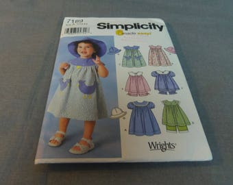 Childs Toddlers Sundress, Top, Panties and Hat, Size 1/2, 1, 2, 3, 4 Uncut Patterns, Simplicity 7189