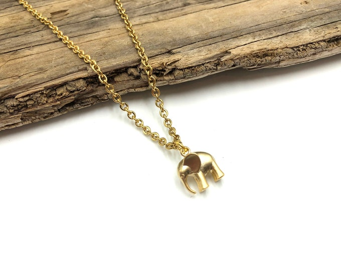SAFARI: tiny elephant necklace